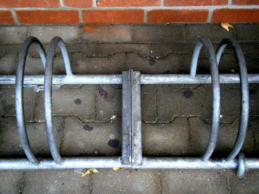 Stojaki na rowery – niezbędne w firmie? stojaki-na-rowery-wp-1