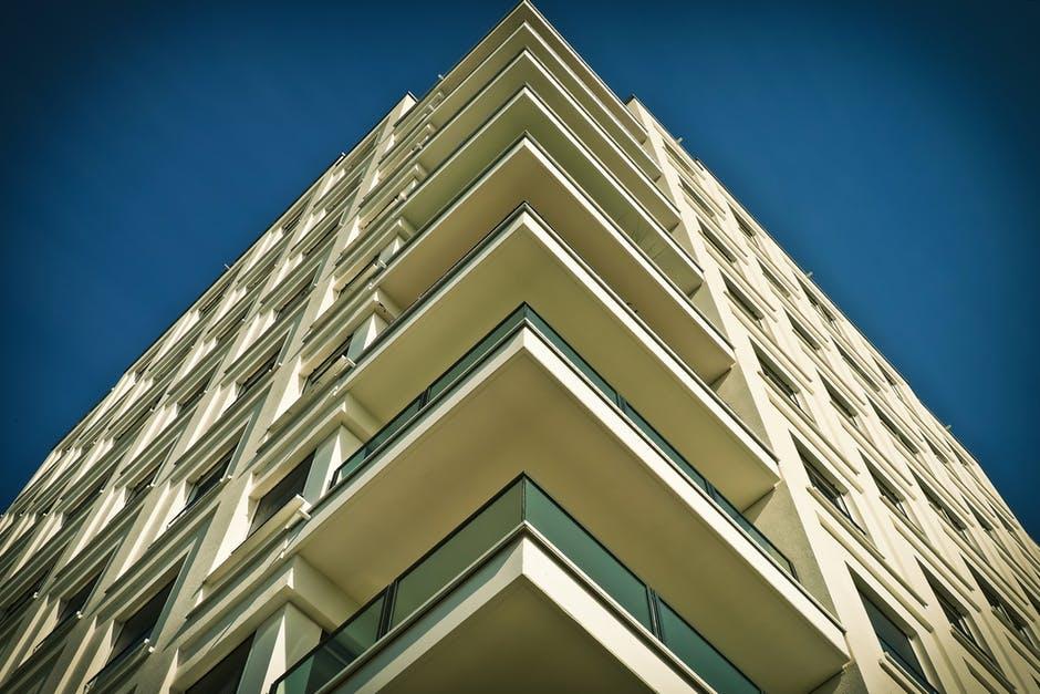 Okna przesuwne – najlepsze do wielkopowierzchniowych przeszkleń okna-1