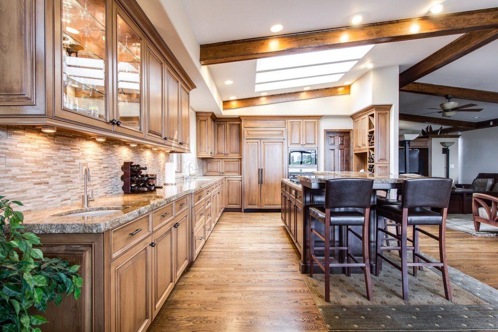 Mieszkanie na wynajem – jak je urządzić? kuchnie-na-wymiar-1024x682