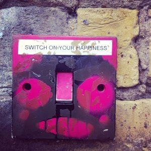 Wszystko, co powinieneś wiedzieć o włącznikach światła light-switch-944129_12802-300x300
