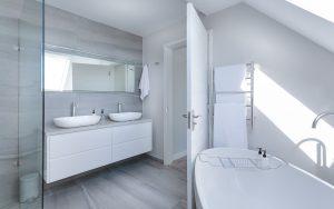 Funkcjonalna łazienka – na co zwrócić uwagę przy jej projektowaniu? modern-minimalist-bathroom-3115450_1280-300x188